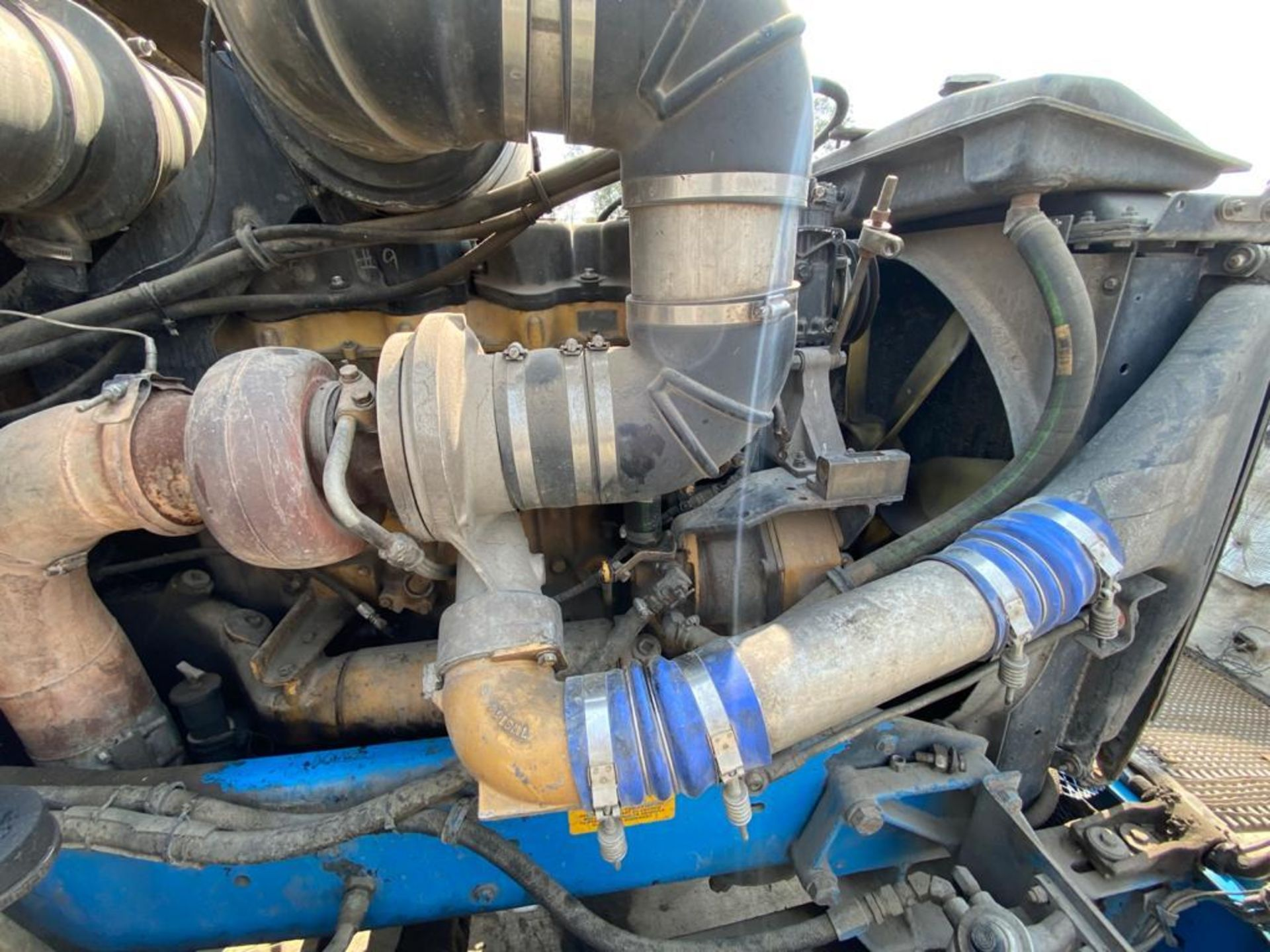 1999 Kenworth Sleeper truck tractor, standard transmission of 18 speeds - Image 74 of 75
