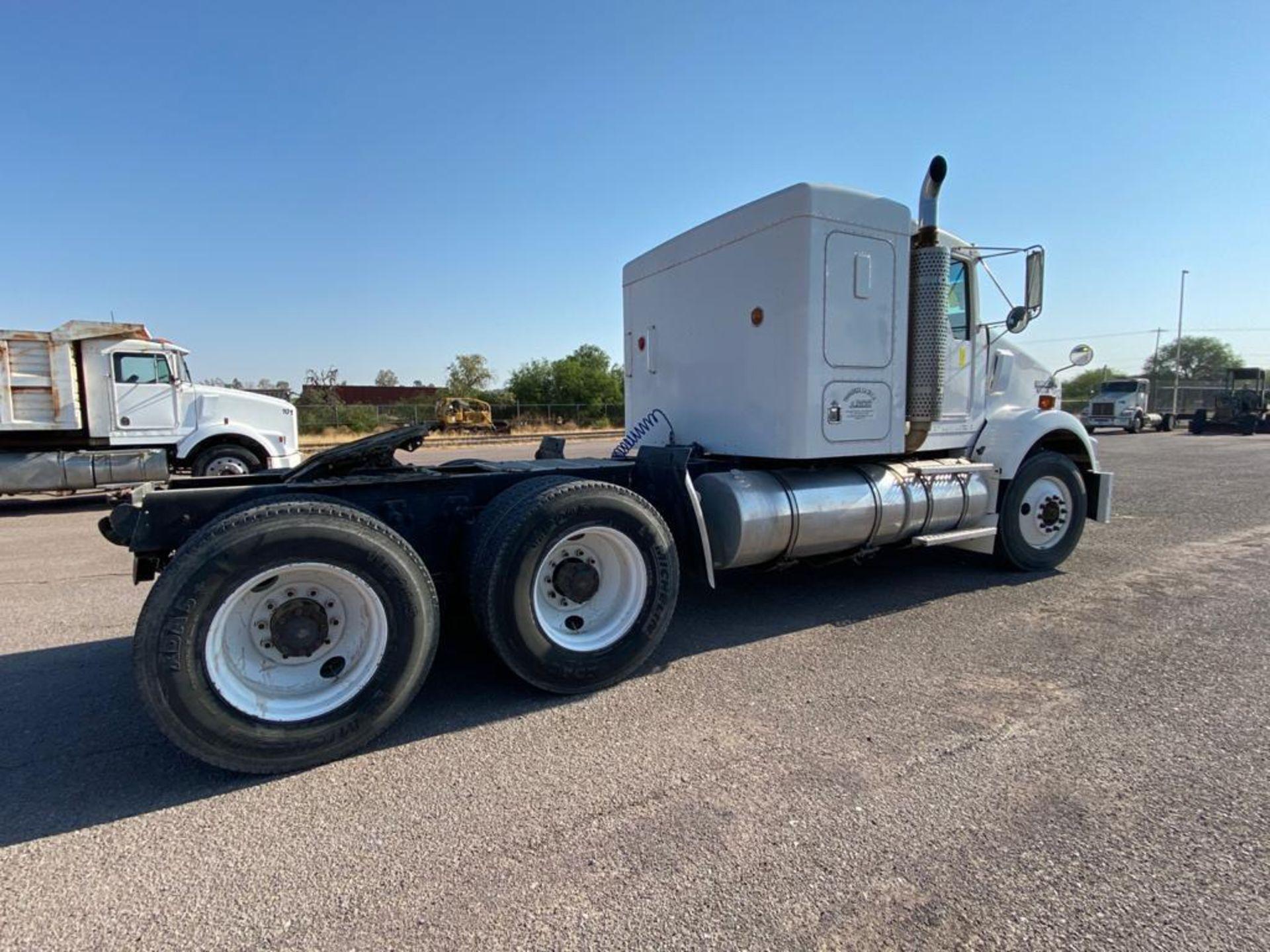 1998 Kenworth Sleeper Truck Tractor, standard transmission of 18 speeds - Image 15 of 55