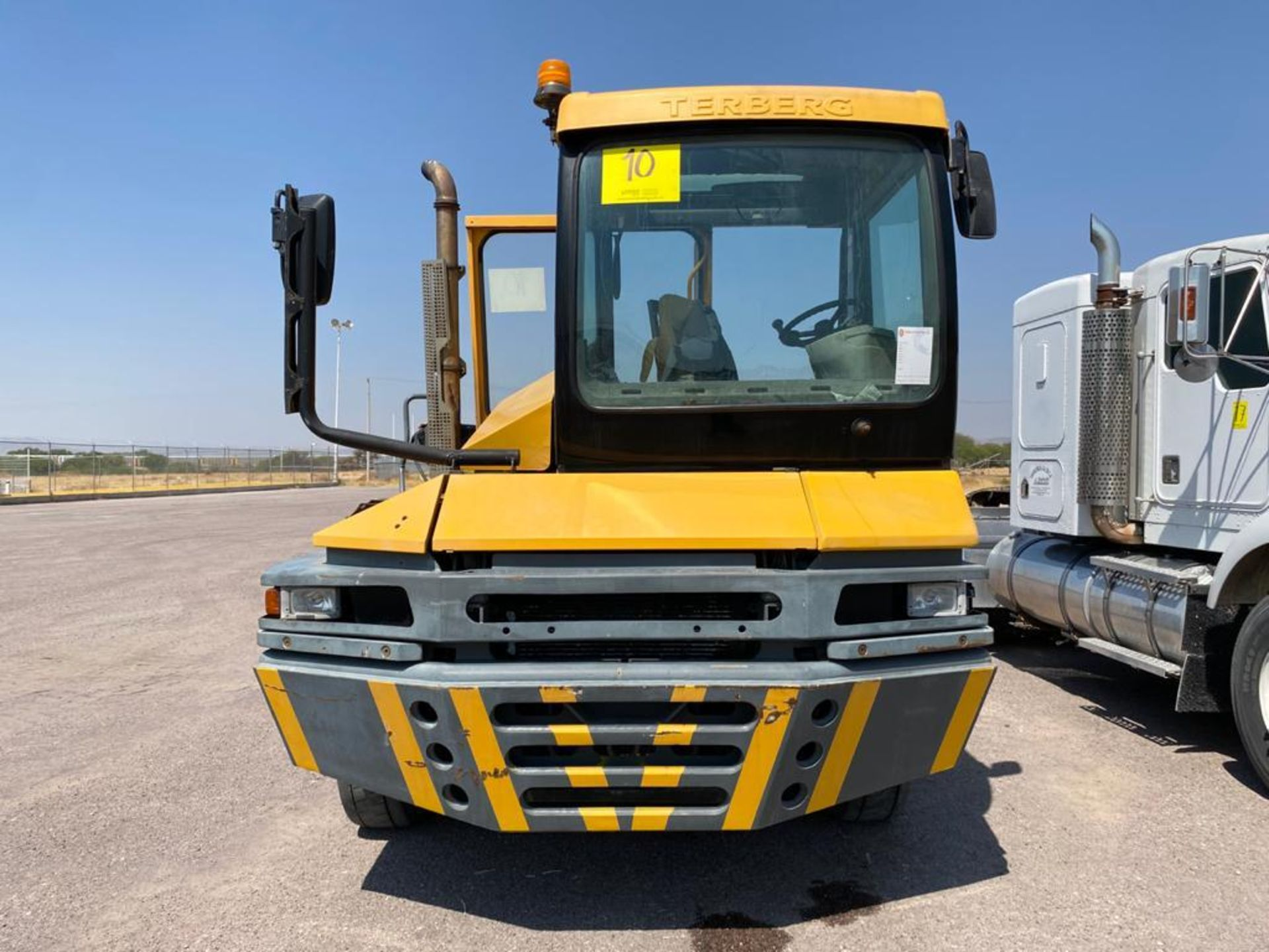 Terberg Capacity 2002 Terminal Tractor, automatic transmission, with Volvo motor - Image 7 of 28