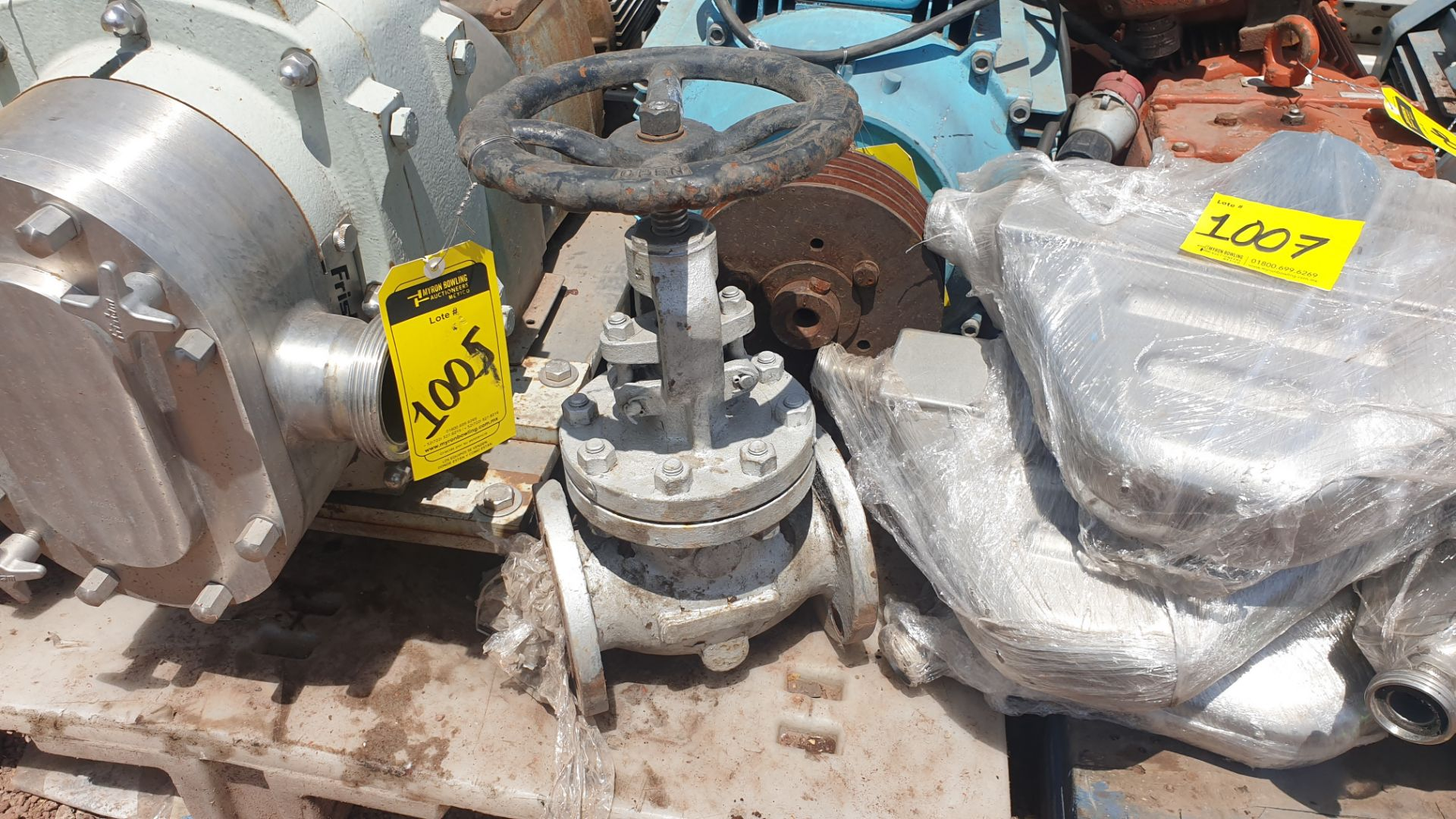 3 Walworth gate valves of three inches - Image 3 of 13
