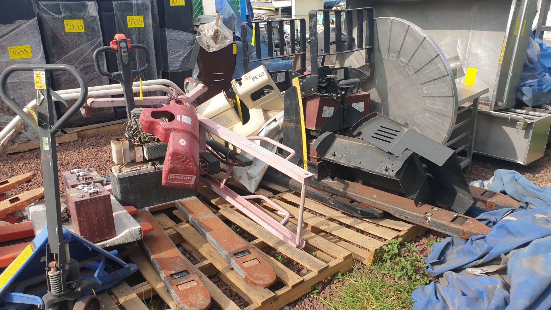 2 HYSTER lift pallet truck model W45ZHD 24 V , 1 DAYTON lift pallet truck model 21XV82 - Image 14 of 21