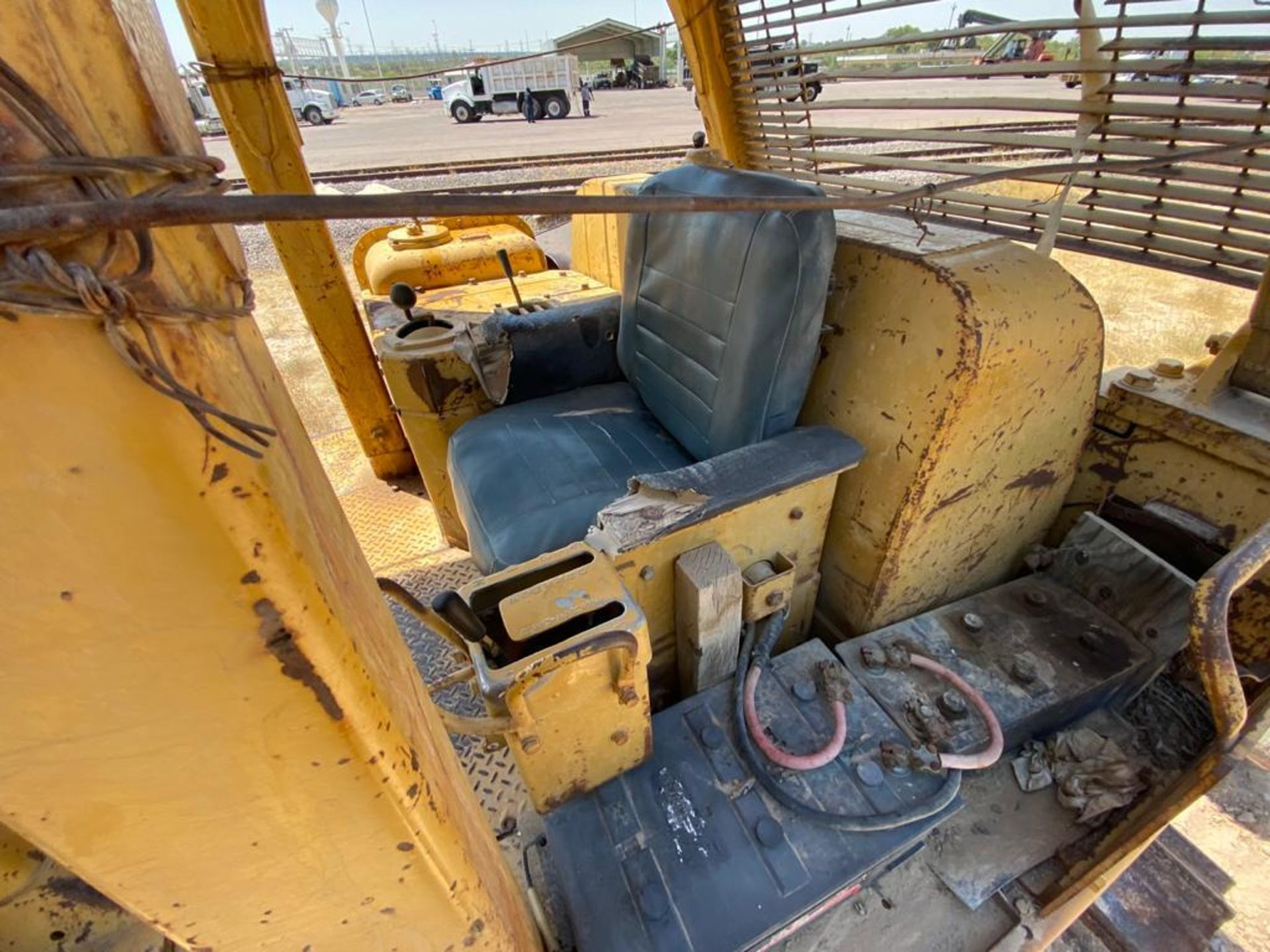 Caterpillar D7G Bulldozer, Serial number 92V5897, Diesel motor - Image 35 of 48