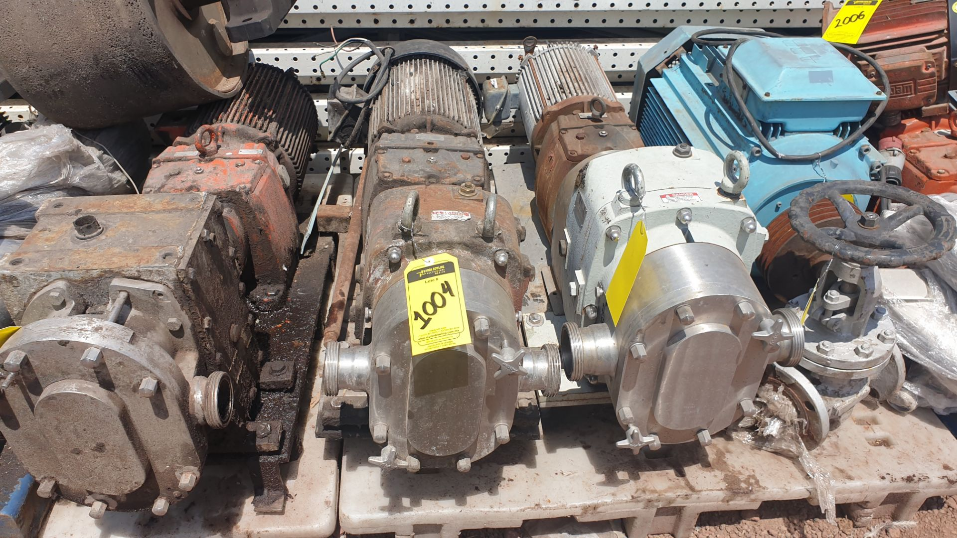 Fristam Lobe pump, model FKL75A serial number FKL75A1315303 includes motor - Image 3 of 9