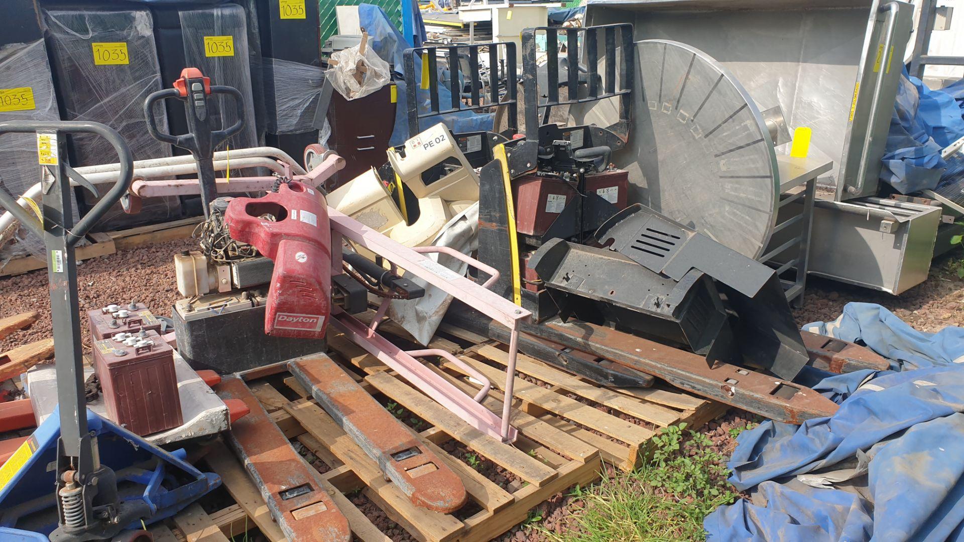 2 HYSTER lift pallet truck model W45ZHD 24 V , 1 DAYTON lift pallet truck model 21XV82 - Image 13 of 21