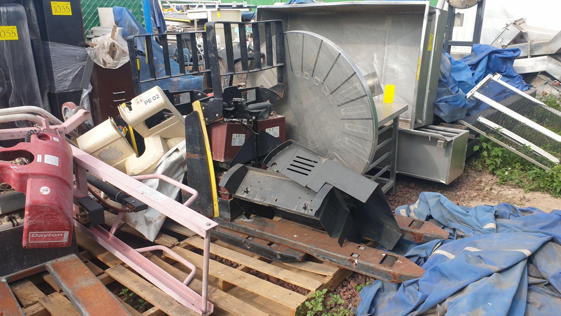 2 HYSTER lift pallet truck model W45ZHD 24 V , 1 DAYTON lift pallet truck model 21XV82 - Image 9 of 21