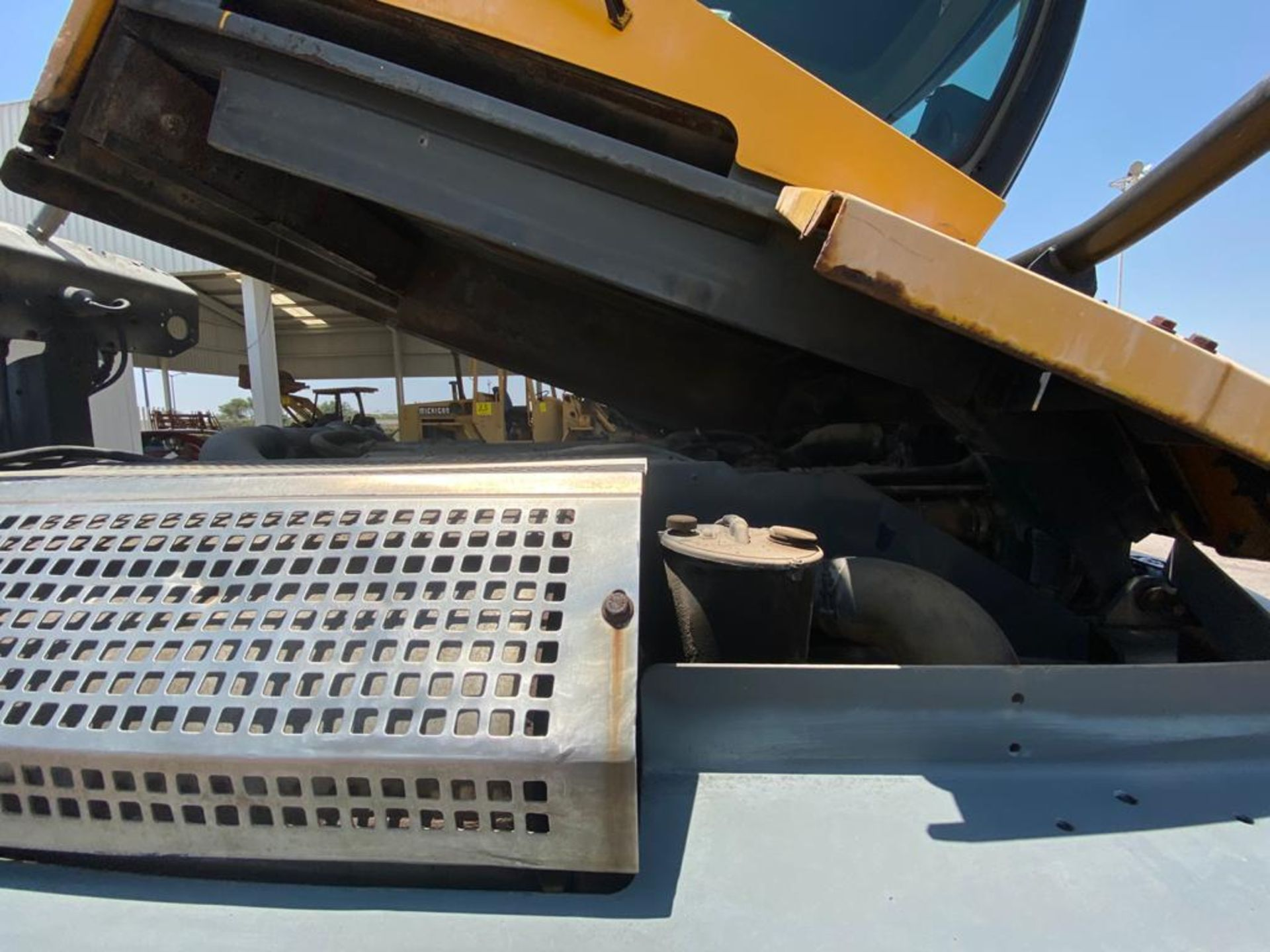 Terberg Capacity 2002 Terminal Tractor, automatic transmission - Image 44 of 57