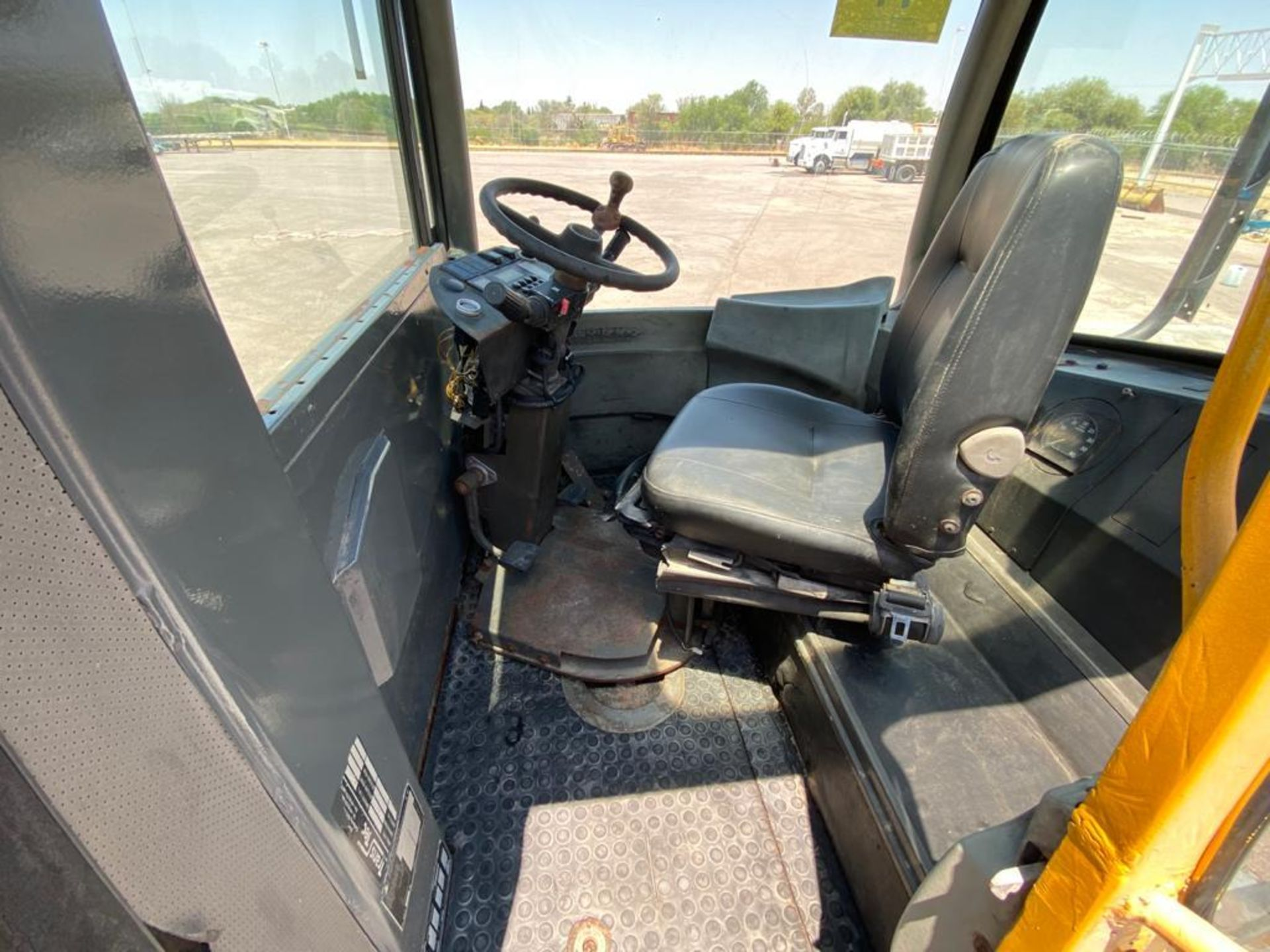 Terberg Capacity 2002 Terminal Tractor, automatic transmission - Image 20 of 57