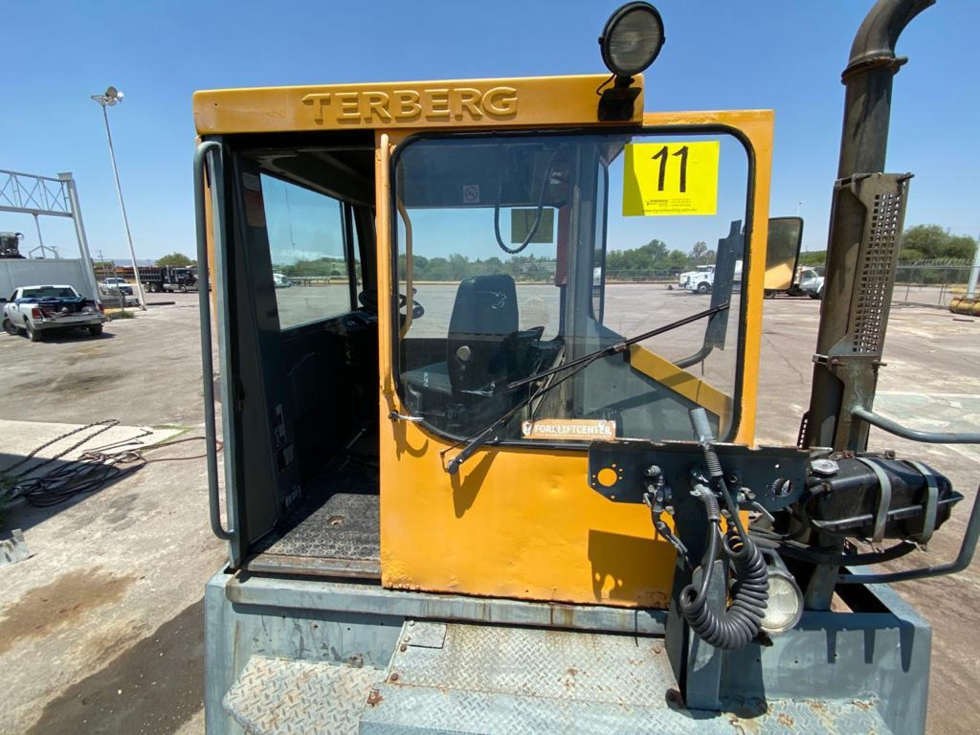 Terberg Capacity 2002 Terminal Tractor, automatic transmission - Image 19 of 57
