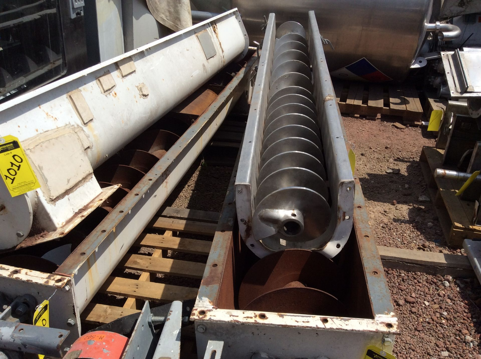 4 helical conveyors, includes 1 geared motor. Please inspect - Image 8 of 11