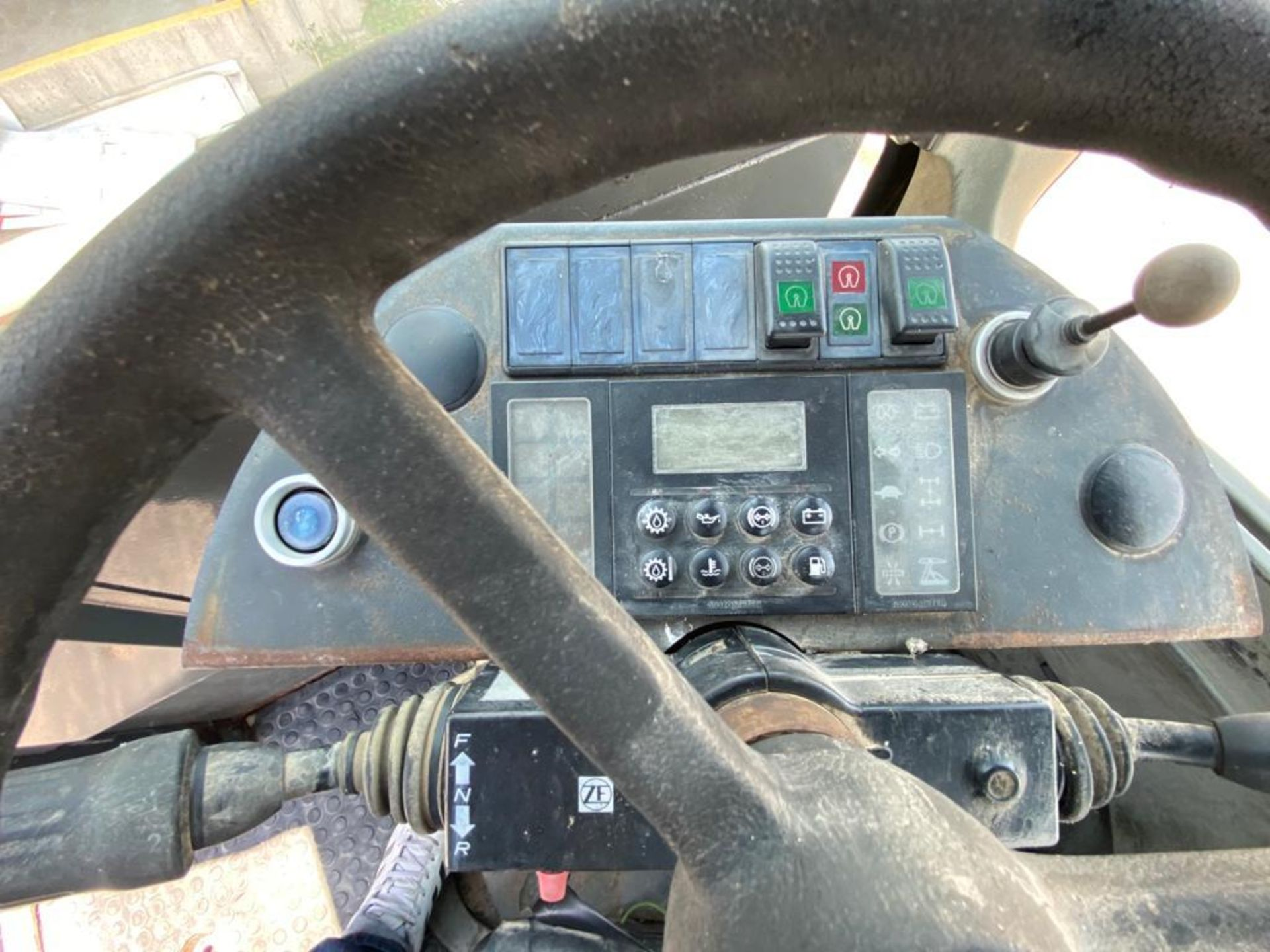 Terberg Capacity 2002 Terminal Tractor, automatic transmission - Image 23 of 57