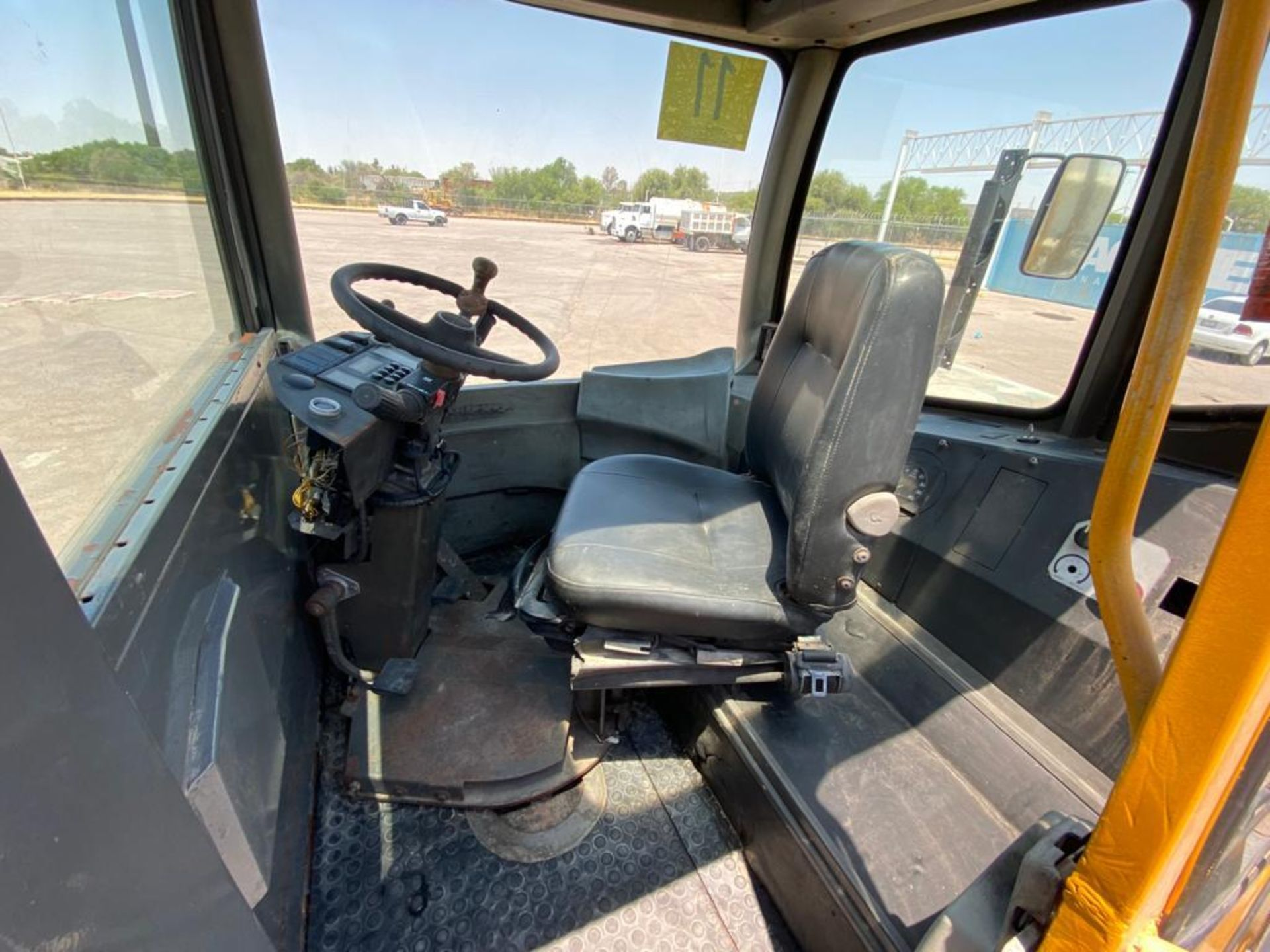Terberg Capacity 2002 Terminal Tractor, automatic transmission - Image 30 of 57