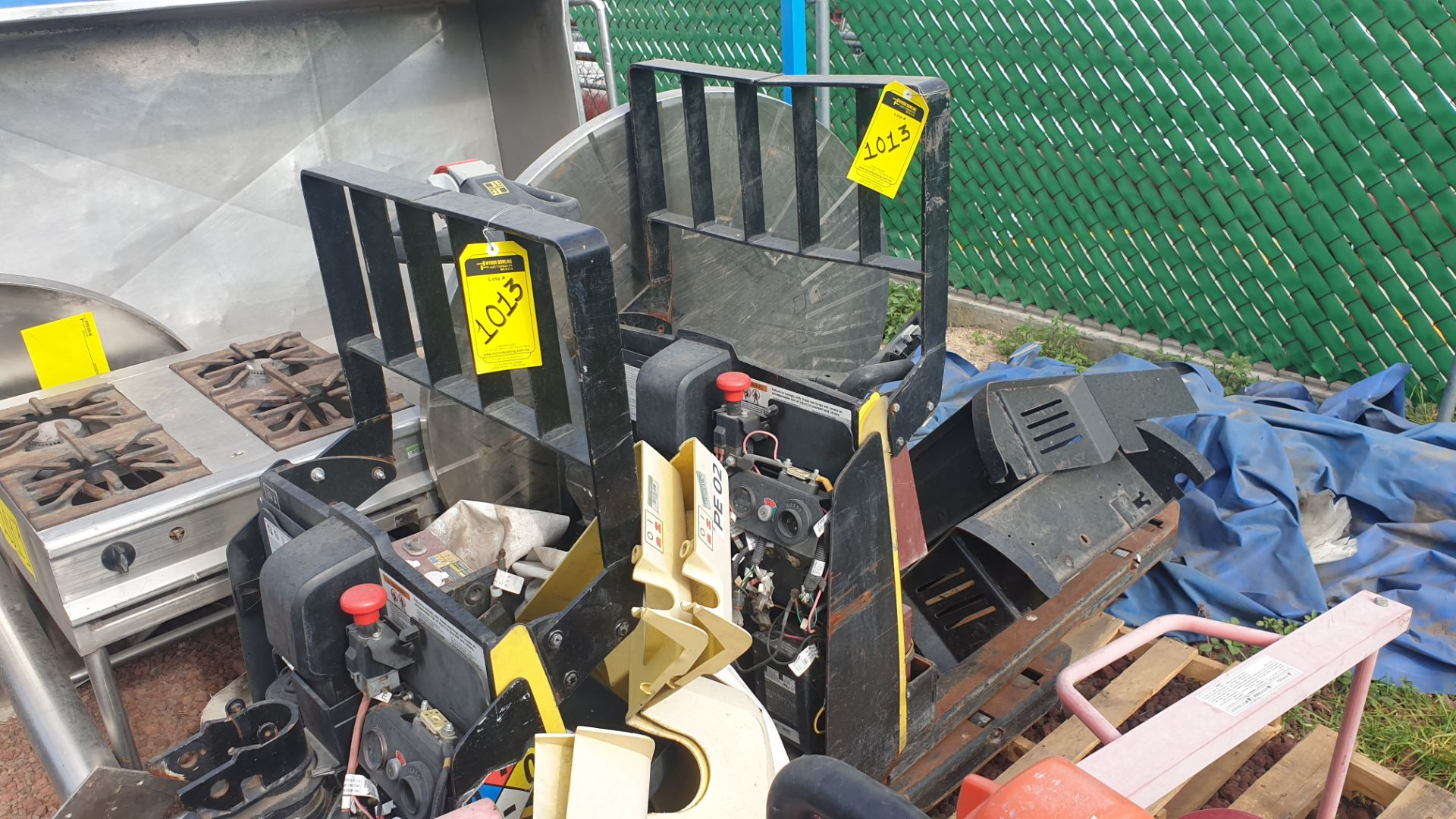 2 HYSTER lift pallet truck model W45ZHD 24 V , 1 DAYTON lift pallet truck model 21XV82 - Image 5 of 21