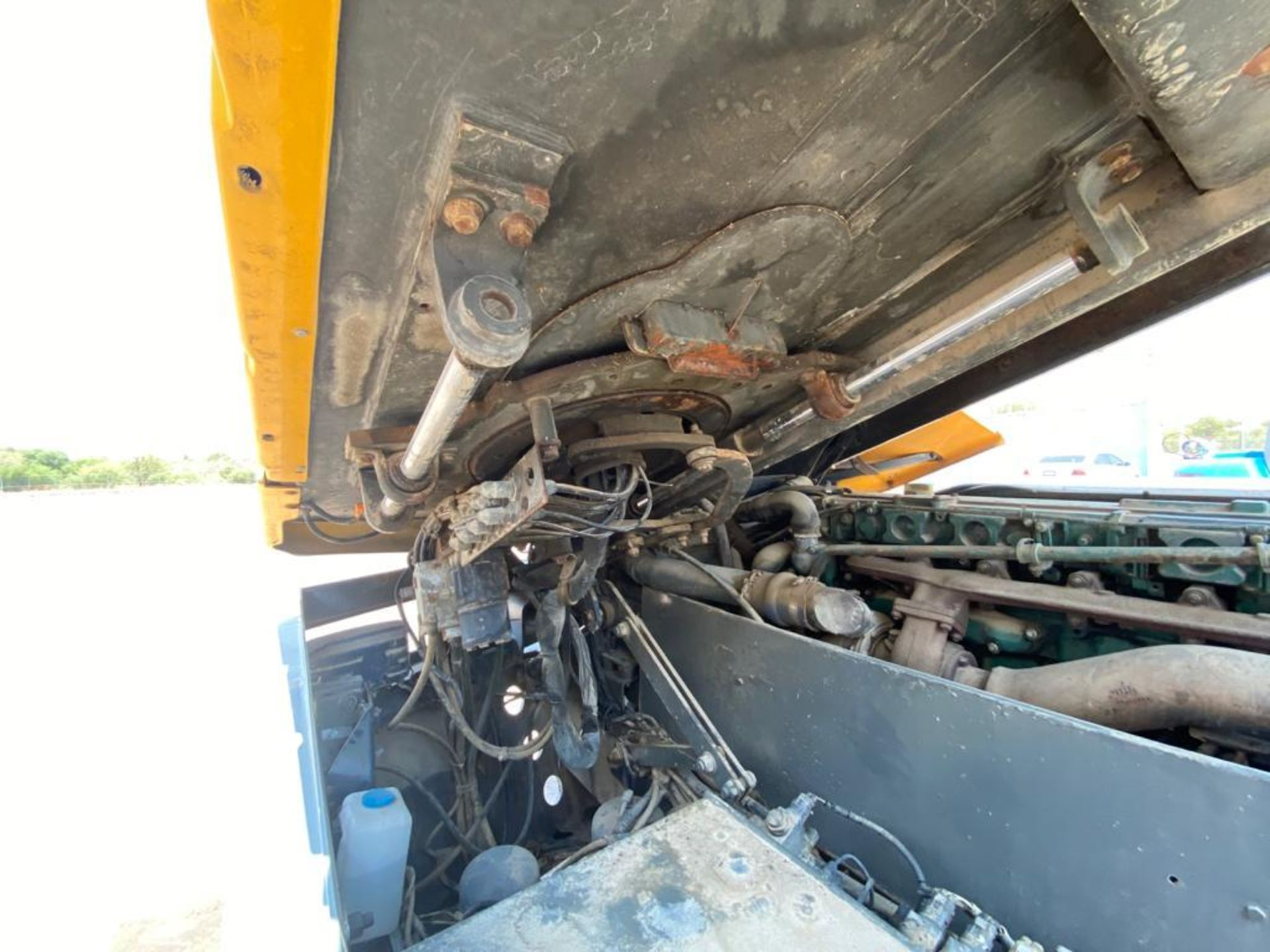 Terberg Capacity 2002 Terminal Tractor, automatic transmission - Image 37 of 57