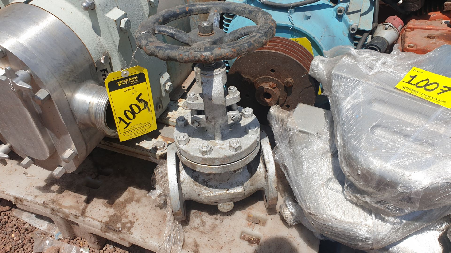 3 Walworth gate valves of three inches - Image 2 of 13