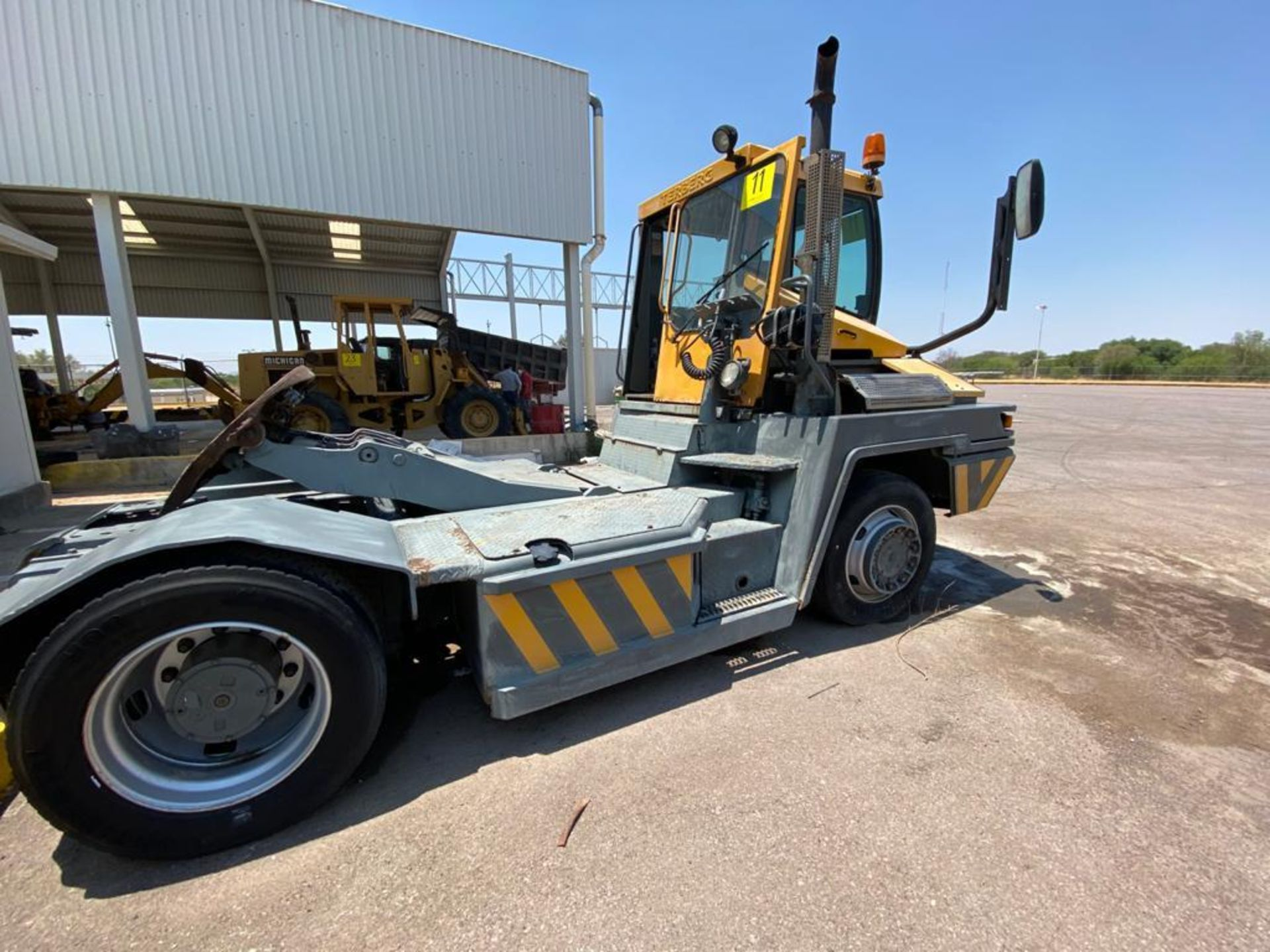 Terberg Capacity 2002 Terminal Tractor, automatic transmission - Image 16 of 57