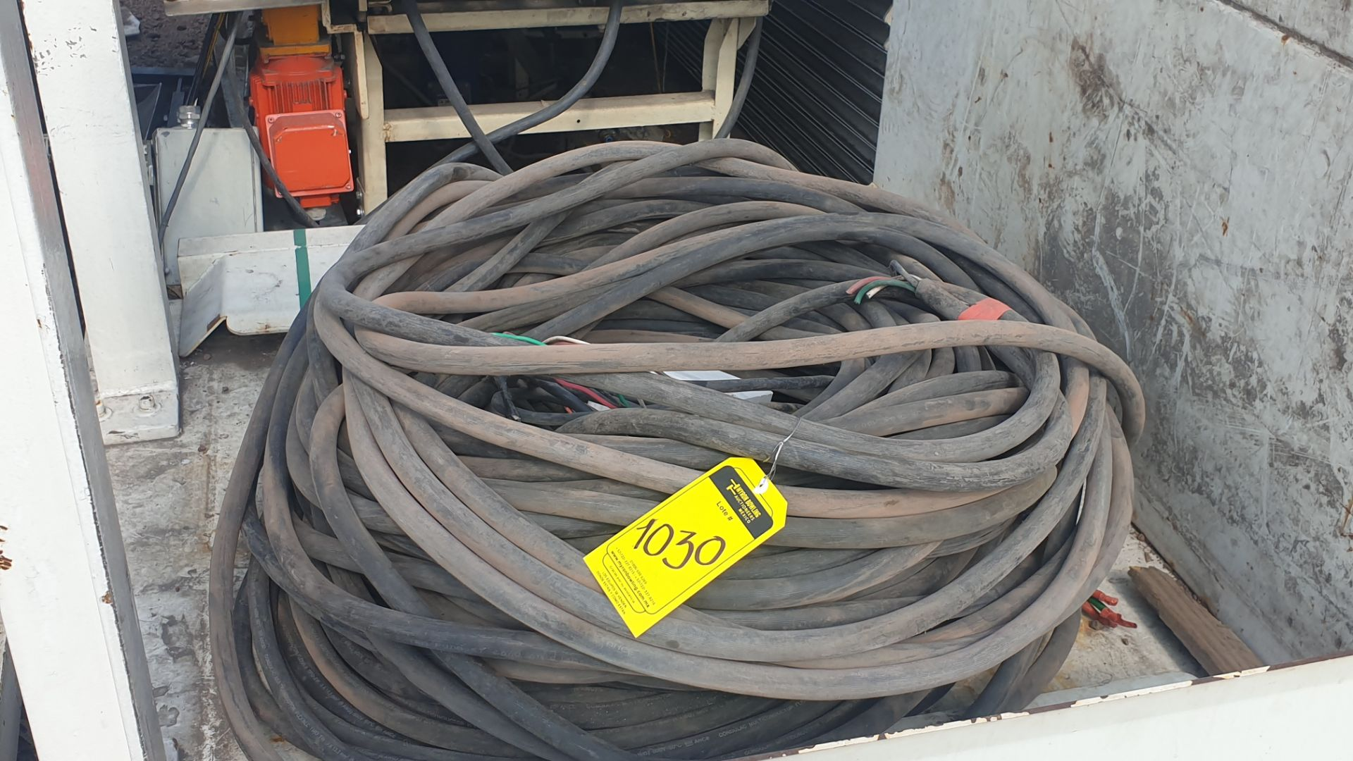 Lot of cable for high tension of 3 lines different gauge 80 mts approximately - Image 4 of 6