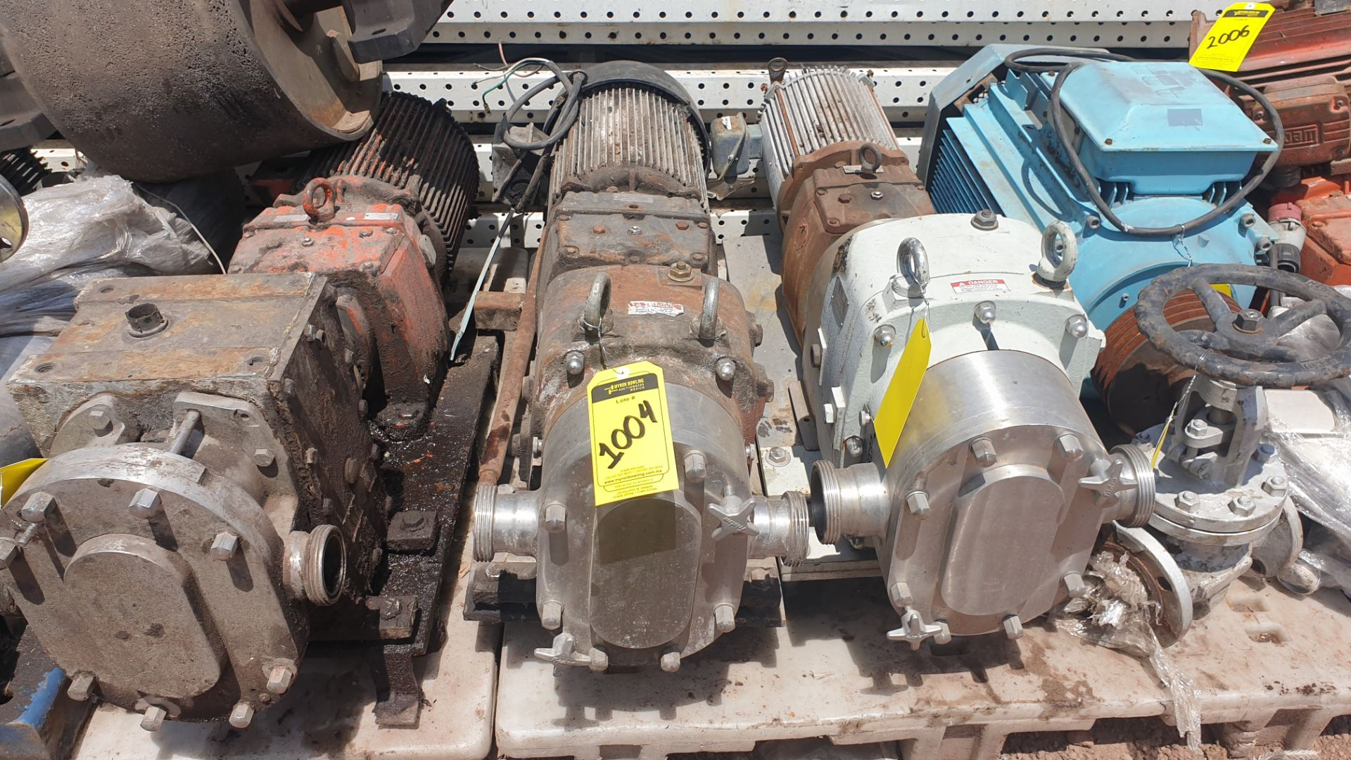 Fristam Lobe pump, model FKL75A serial number FKL75A1315303 includes motor - Image 2 of 9
