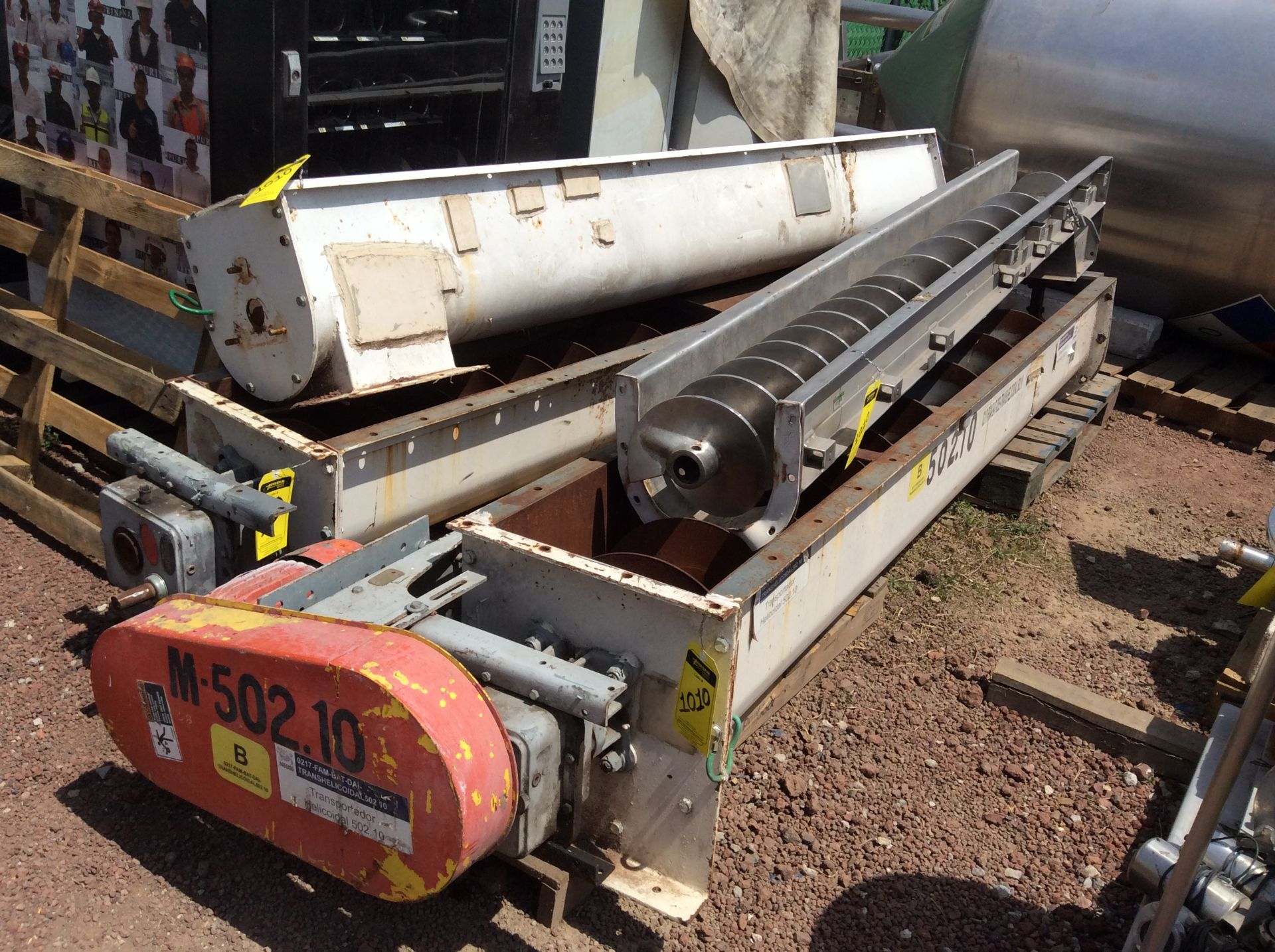 4 helical conveyors, includes 1 geared motor. Please inspect - Image 10 of 11