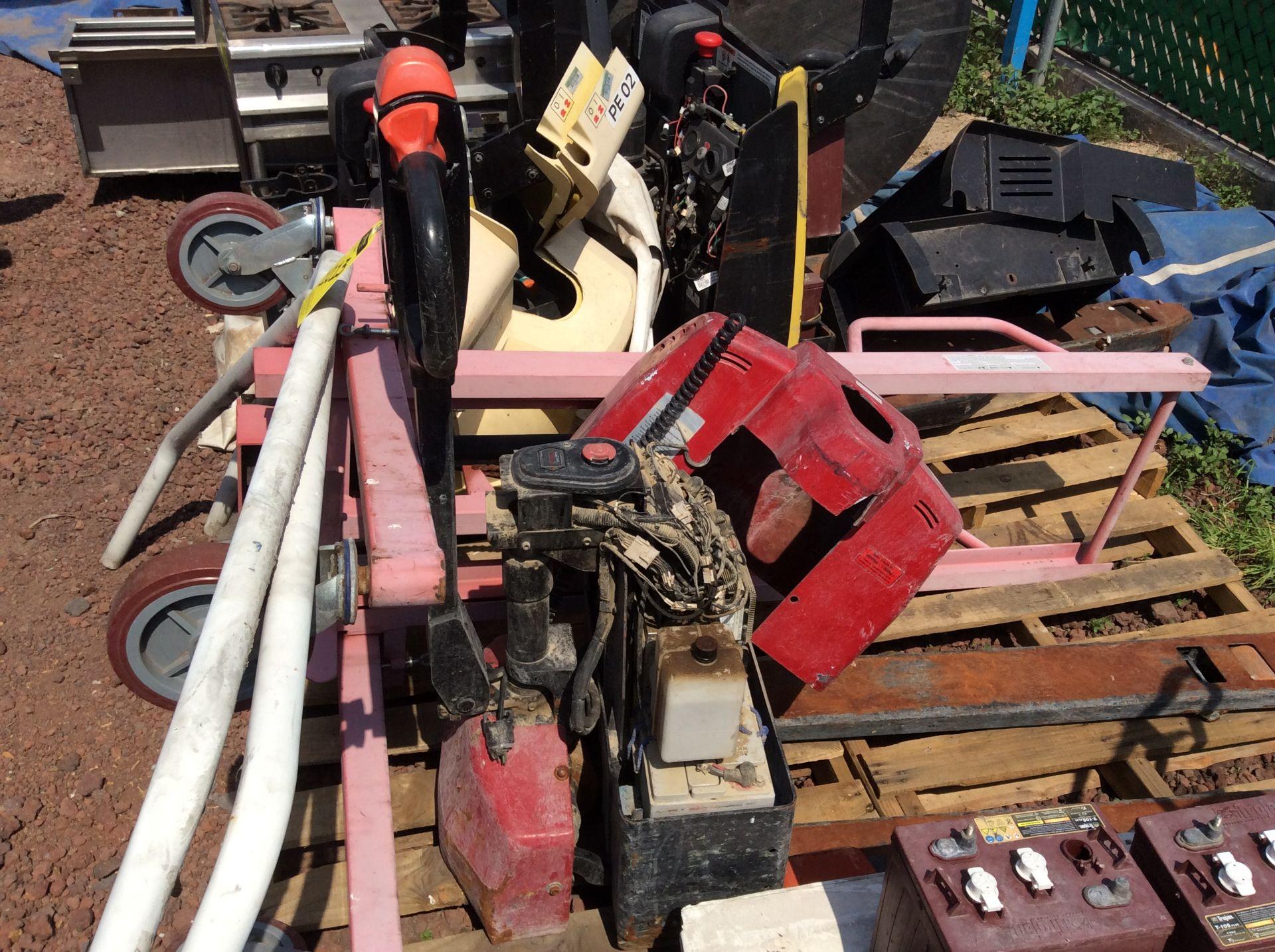 2 HYSTER lift pallet truck model W45ZHD 24 V , 1 DAYTON lift pallet truck model 21XV82 - Image 19 of 21