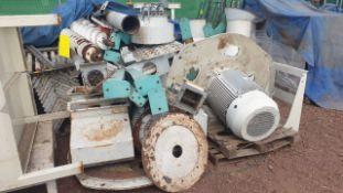 Vacuum system 240-241 fan, includes two ABB motors