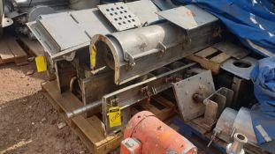 5 staineless steel screw feeder conveyors. Please inspect