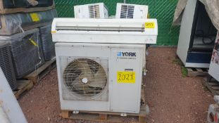 1 Air-conditioning lot, includes 3 condensers different brands