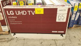 """Lote de 3 Pantallas incluye 2 Pantallas marca LG UHD TV de 65"""""""