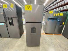 1 Refrigerador mara Winia color gris modelo DFR-32210GMDX