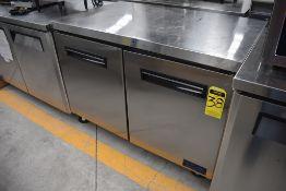 Mesa Refrigerada De 2 Puertas Bajo Mostrador Acabado En Acero Inoxidable Marca Parker, Modelo Lucf4