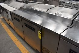 Mesa Refrigerada De 2 Puertas Para Preparación Acabado En Acero Inoxidable Marca Parker, Modelo Lpt