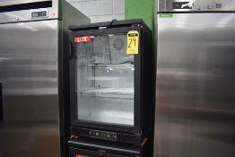 Refrigerador De Una Puerta De Cristal (Back Bar) Marca Lux, De Medidas 0.60 X 0.51 X 0.92, Favor De