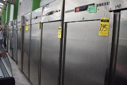 Refrigerador En Acero Inoxidable Marca Lux De Una Puerta, Medidas 0.73 X 0.83 X 1.85, Favor De Insp