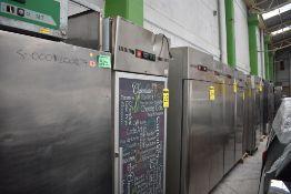 Refrigerador De Una Puerta De Cristal Marca Lux, Modelo Luxgn650tng, De Medidas 0.75 X 0.80 X 2, Go