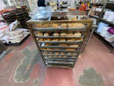 4 Carros espigueros para pan, capacidad para 10 charolas