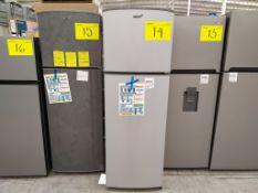 Refrigerador marca Acros, Modelo AT9007G, Serie 1478066, Color Gris, Golpeado, LB-750154559283