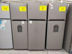 Refrigerador marca Winia, Modelo DFR-32210GNV, Serie MR215N07590069, Color Gris, Golpeado, LB-75017
