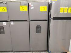 Refrigerador marca Winia, Modelo DFR-32210GMDX, Serie MR215N07810862, Color Gris con dispensador de