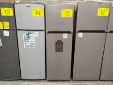 Refrigerador marca Winia, Modelo DFR-25210GMDX, Serie MR215N07201182, Color Gris con dispensador de