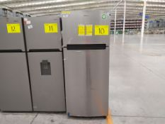 Refrigerador marca Whirlpool, Modelo WT1818A, Serie VSX2369104, Color Gris, Golpeado, LB-0880609014