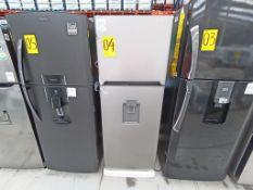 1 Refrigerador con dispensador de agua, Marca Winia, Modelo DFR-32210GMX, Serie MR217N10140659, Col