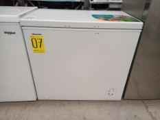 1 Congelador, Marca Hisense, Modelo FC70D6BWX, Serie LC1J1, Color Blanco, Golpeado, LB-357156 (No s
