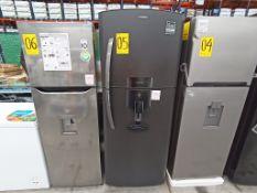 1 Refrigerador con dispensador de agua, Marca Mabe, Modelo RMe360FD, Serie 2107B517745, Color Negro