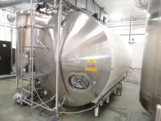 Cherry-Burrell 5,000 Gallon Horizontal Top Agitated Tank, Additional Info: Orig | Reqd Rig Fee $2000