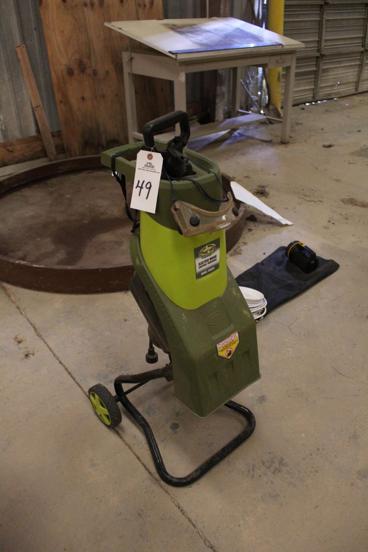 Sunjoe Electric Wood Chipper | Rig Fee: Hand Carry or Contact Rigger