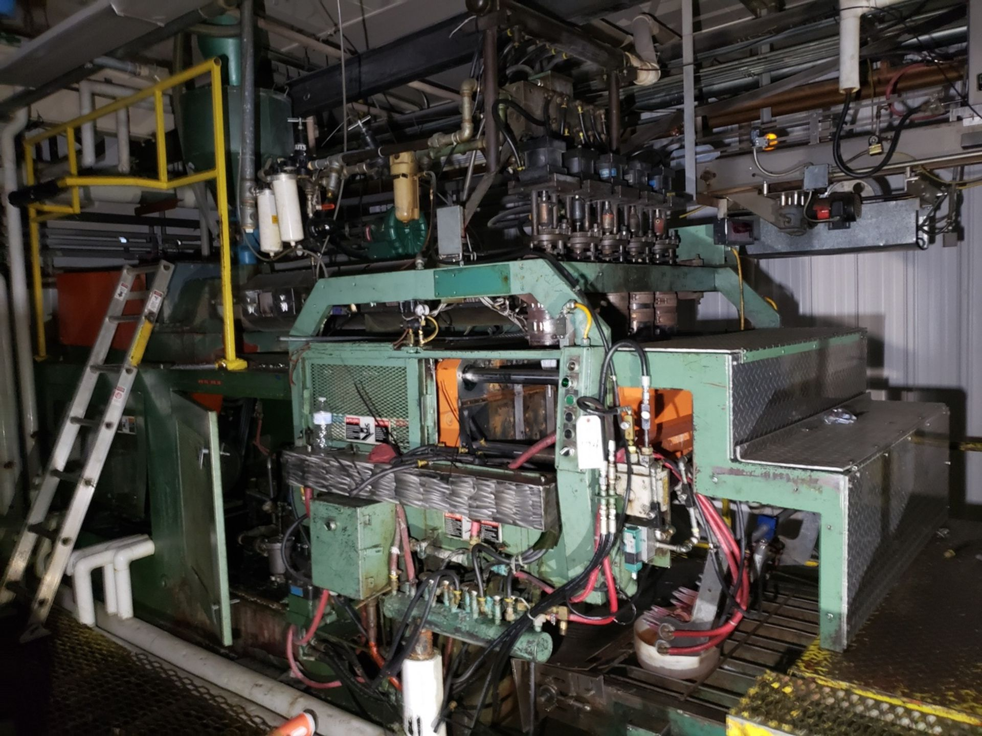 Uniloy 5 Head Blow Molding Machine, M# 350R1, S/N 350R1-2431 | Rig Fee: $14500