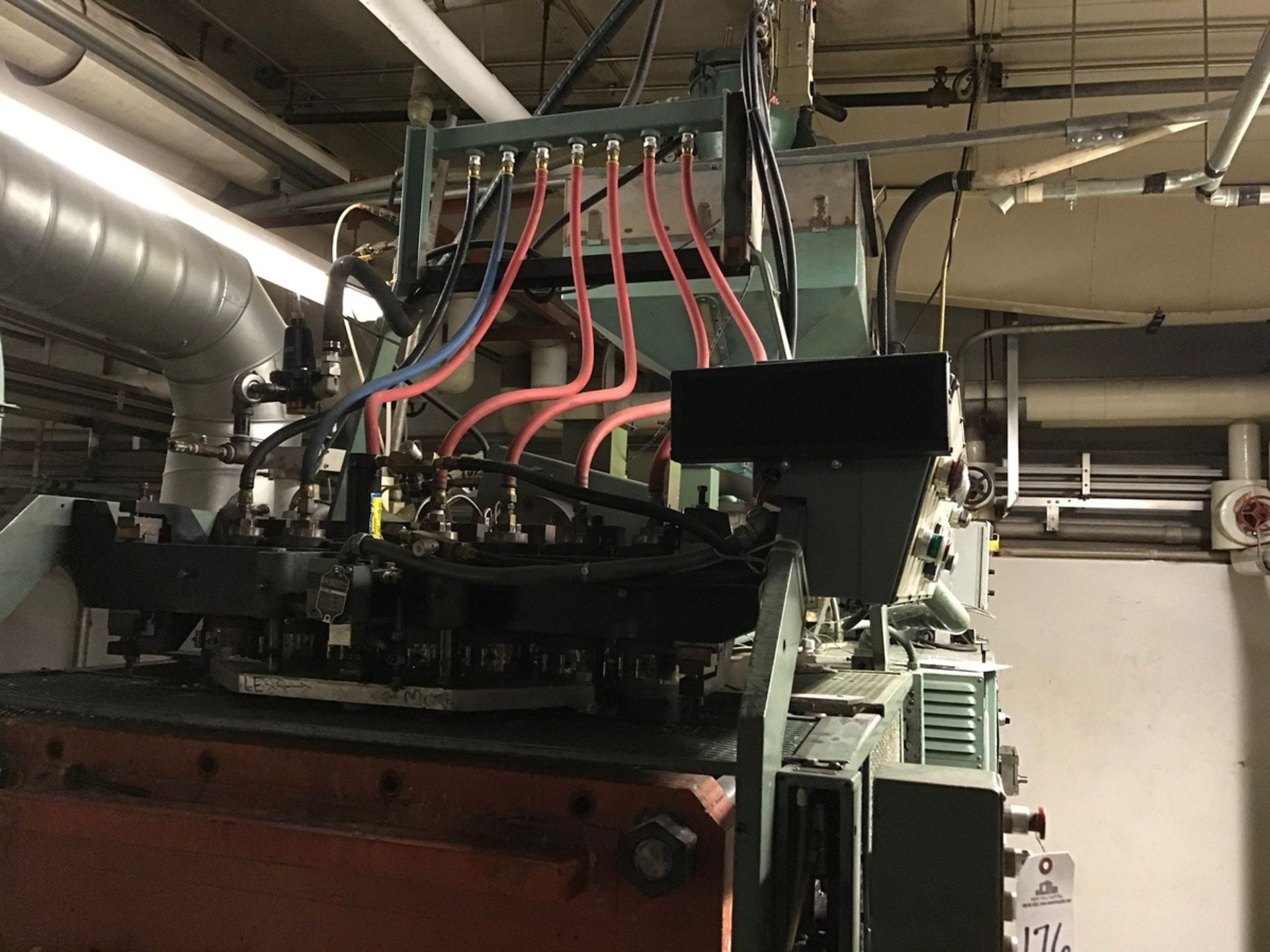 Uniloy 7-Head Blow Molding Machine, M# 250R1, S/N 250R1-3944 | Rig Fee: $14500 - Image 4 of 8