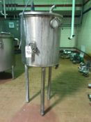 Stainless Steel Tank, Approx 22in Dia x 24in Deep with Sprayball | Rig Fee: $150