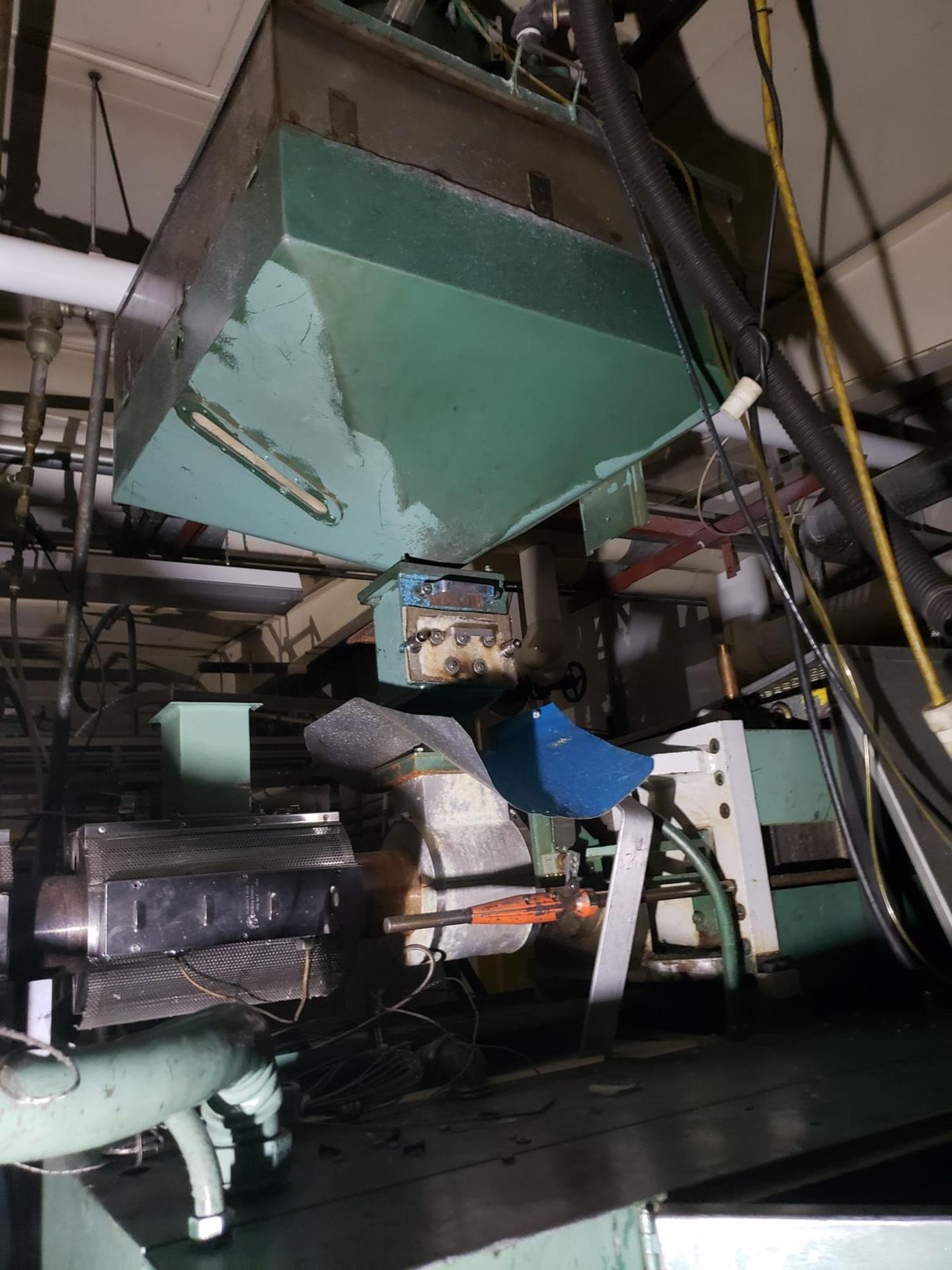Uniloy 7-Head Blow Molding Machine, M# 250R1, S/N 250R1-3944 | Rig Fee: $14500 - Image 5 of 8