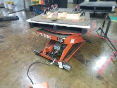 Lee 5,000 lb. Hydraulic Lift, W/ Turntable | Rig Fee $75