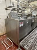"""540 Gallon Stainless Steel Flavor Tank, Top Mounted Agitator, Approx. 50"""" x 50"""" x 6.   Rig Fee $350"""